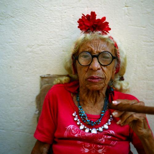 フィデル・カストロ政権終盤のキューバの市井の人たち。