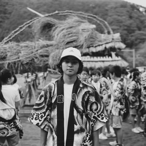 ★神奈川県西部に根付く地域信仰にまつわる写真集「まつる」を4月中旬に出版予定です。4649お願いします。